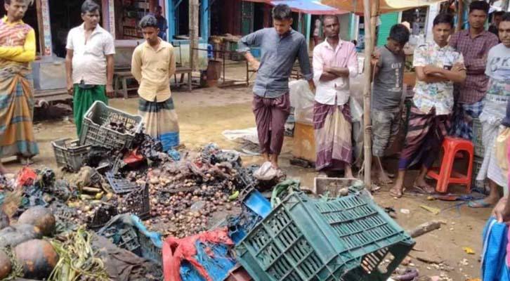 জগন্নাথপুরের রানীগঞ্জ বাজারে সবজির দোকানে অগ্নিকাণ্ডে দেড় লাখ টাকার ক্ষতি