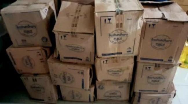 কোতোয়ালী থানা পুলিশের অভিযানে,১৪০ বোতল চোরাই সয়াবিন তেল উদ্ধার আটক'৩