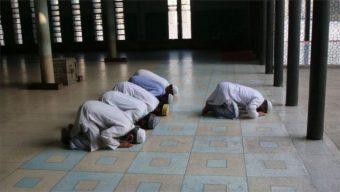 মসজিদে নামাজের ৯ নির্দেশনা
